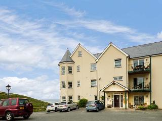 9 BEACHCOMBERS APARTMENTS, off road parking, close to beach, Watergate Bay