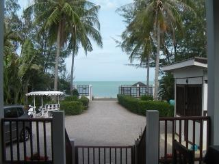 PRANBURI BEACH FRONT HOUSE Uninteruppted SeaViews, Hua Hin