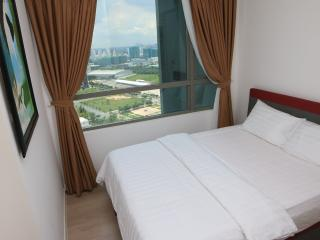 2nd bedroom with city view window