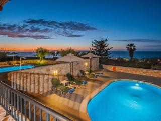 Villa Nikos - Sea View, Private Pool, 3 Bedrooms, Satellite TV, Internet (WiFi)