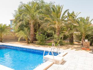 Charming Immaculately Presented Villa  in El Campe