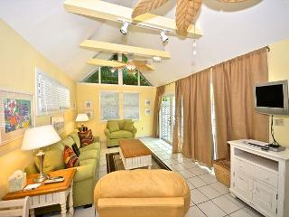 Oceana Suite - Historic Cottage w/ Beautiful Pool Close To Everything, Key West