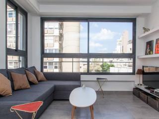 Cosy and sunny flat near the beach, Tel Aviv