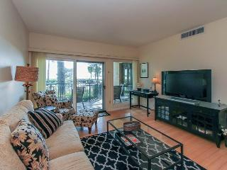 1865 Beachside Tennis-Easy Access to Beach & Pool. Calibogue Sound View, Hilton Head