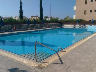 Kato Paphos apartment with large shared pool