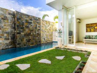 Beautiful Villa in Bali by the Sea!, Kuta