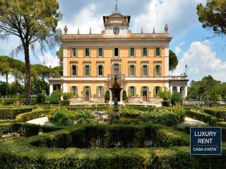 NOBLE HISTORIC VILLA IN PERUGIA UP TO 10 GUESTS, Pila