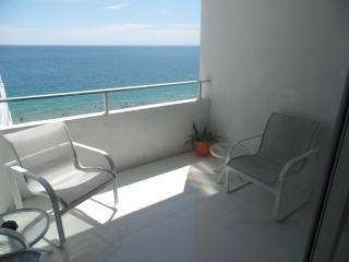 THE MOST AMAZING OCEAN FRONT UNIT IN THE BUILDING!, Fort Lauderdale
