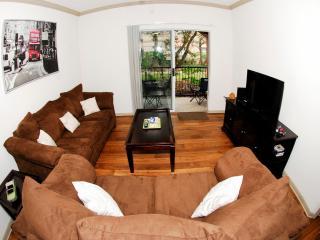 Greenway Furnished Apartment, Houston