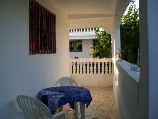 2 big villas in a beatiful area with good comfort, Kololi