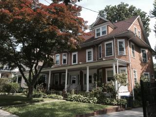 Elegant, Newly Renovated 5 Bedroom Home, White Plains