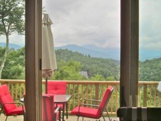 New Cabin,MEGA VIEWS , Hottub,Creek,App Ski Mtn