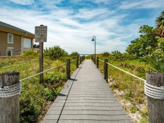 Beachside Villa - Weekly Beach Rental, Clearwater