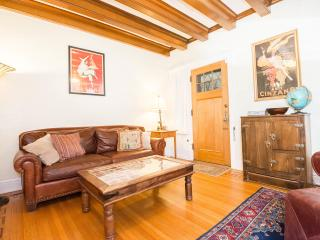 Downtown ~Capitol Hill~Upscale & Affordable~1899 Elegant Victorian ~Best Rental!