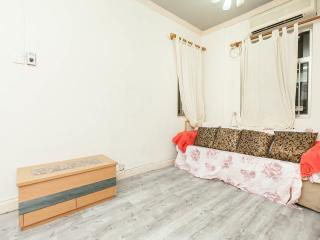 Cozy, 2bdrm for 6ppl@Tple st. 2mins, Hong Kong
