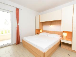 Apartment Lelas Makarska for 2 person