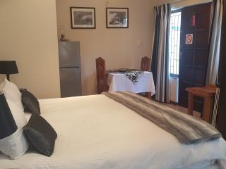 Zuider Zee Guest House 'The Dolphin Suite', Ballito