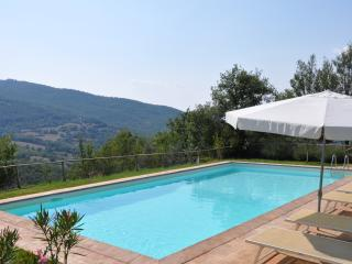 Stunning, luxury villa with large private pool, Piegaro
