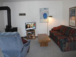 DVE201-1 Bedroom located in Dillon Valley. Sleeps 4. Will Consider Seasonal