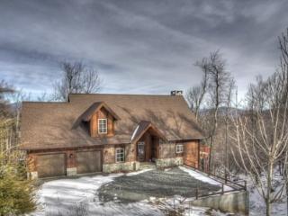 New Cabin,MEGA VIEWS , Hottub,Creek,App Ski Mtn