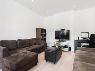 Hugo Plaza - family apartment, Amsterdam
