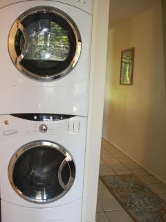 Large Washer/ Dryer in Unit