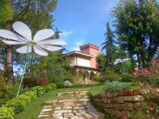 Spaziosa mansarda in Villa con ampio giardino, Teramo