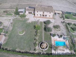 Bonita casa con piscina.
