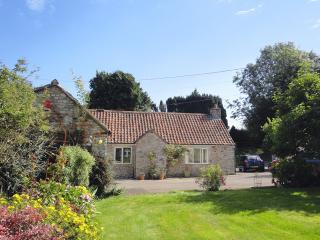E27 - Magnolia Cottage, Wells