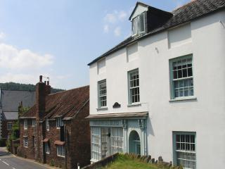F23 - Castle View, Dunster