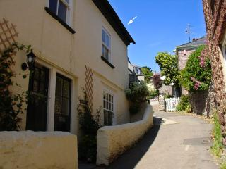 R45 - Blair Cottage, Cawsand