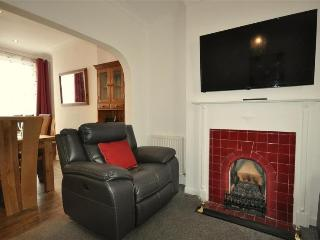 Weymouth house rental - Period fireplace