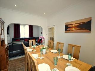 Ocean House 80 yds from beach 4 Bed, 4 Bath, 4star, Weymouth