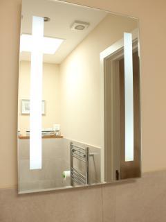 3 The Copse - Bathroom