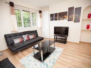 Tower Bridge apartment 3 bedrooms in London