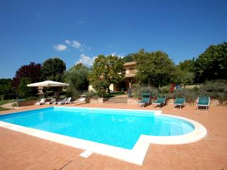 Detached villa with private pool, 1 km from villag, Avigliano Umbro