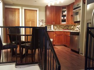 4 Bedroom 2 Bath 1239 W Ohio St Chicago Noble Sq