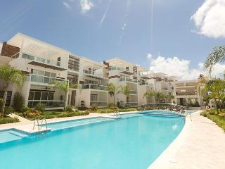Costa Hermosa F102 - Walk to the Beach, Inquire About Discount Promo Code