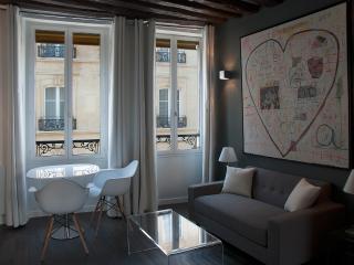 New design apartment in Montorgueil