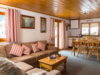 Chalet des Montagnes Apartment (Simply Morzine)