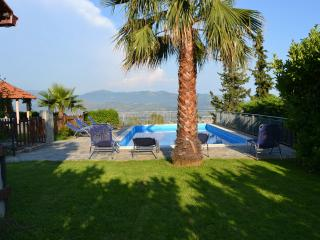 Holiday house with pool, sea view, till 13 sleeps
