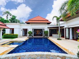 Balinese Courtyard Villa in Bangtao, Chalong