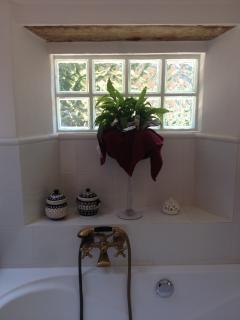 Bagno Blu, bagno con vasca secondo piano