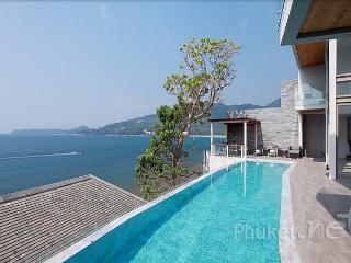 Stunning 4-Bed Oceanfront Villa, Kamala