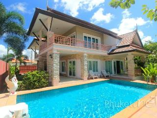 Lake View 3-Bed Villa in Chalong
