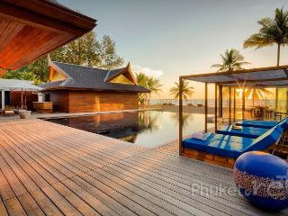 Sumptuous Beachfront Villa on Natai Beach, Khok Kloi