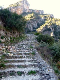 Senderismo, 5600 escalones picados en piedra (4.5Km)
