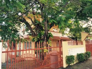 Villa Pesq.Beach House / 1st floor avai 2 / 1 1/2, Patillas