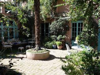 Maison avec jardin et 2 terrasses au calme, París