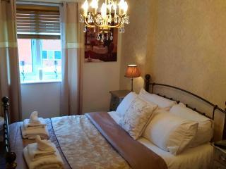 **NEW**The Round House Apartment, Gunwharf Quays, Portsmouth